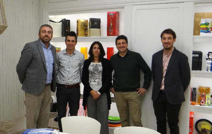 Los gerentes de Liasa y NGPlastics con los representantes de los dos clústeres, en la reunión de inicio del proyecto