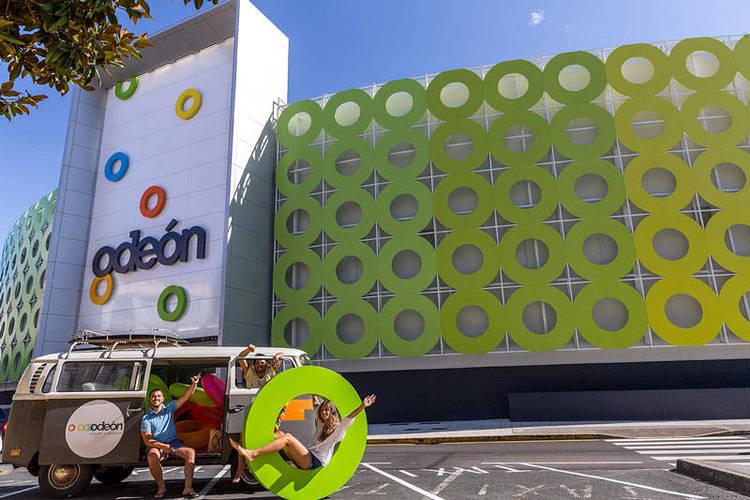 El centro comercial Odeón está ubicado en Narón (La Coruña)