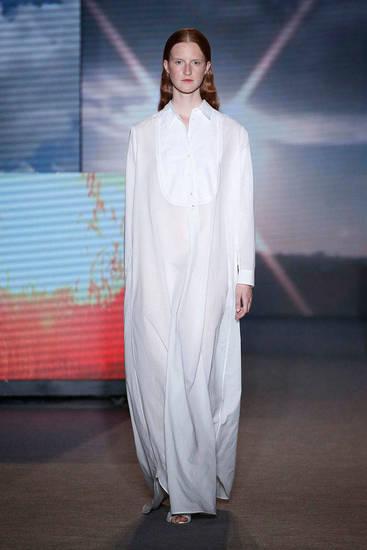 Modelo de la firma presentado en 080 Barcelona Fashion