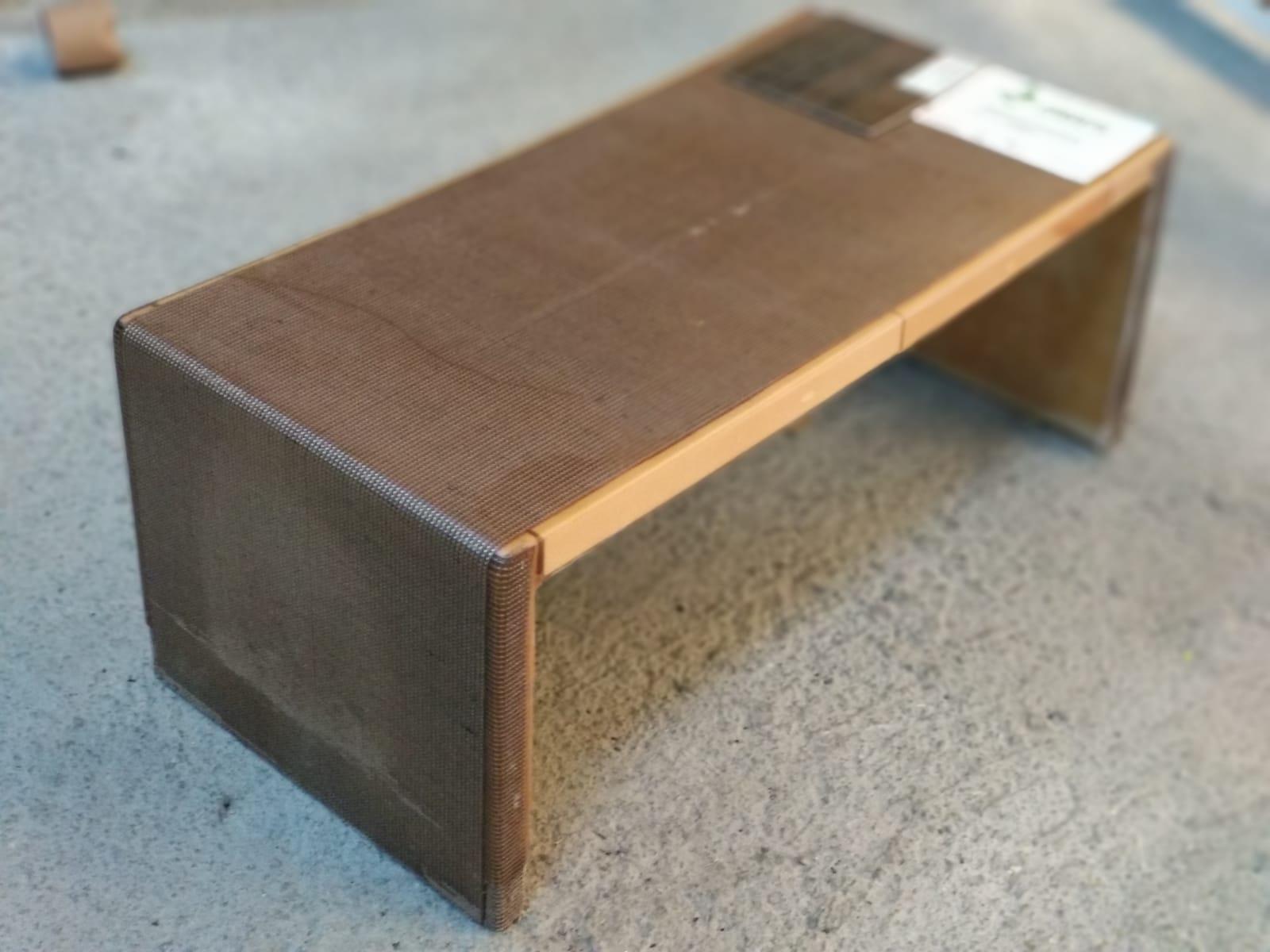 Prototipo mesa proyecto ECO&TECNO CARPET con residuos alfombras